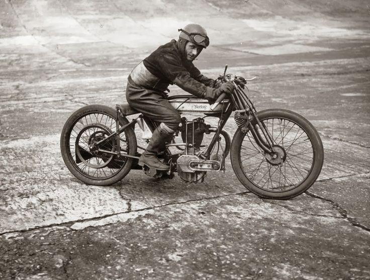 Clasp Garage: Bert Denley at the 1925 Isle of Man TT
