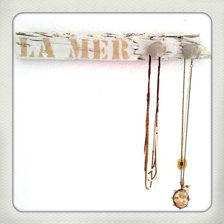 "Hand made wooden necklace hanger ""La Mer"" 20 e"