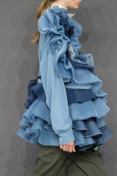 Viktor & Rolf at Couture Fall 2016 - Details Runway Photos