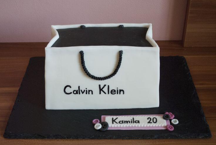 Dort papírová taštička Calvin Klein. The Calvin Klein Bag Cake.
