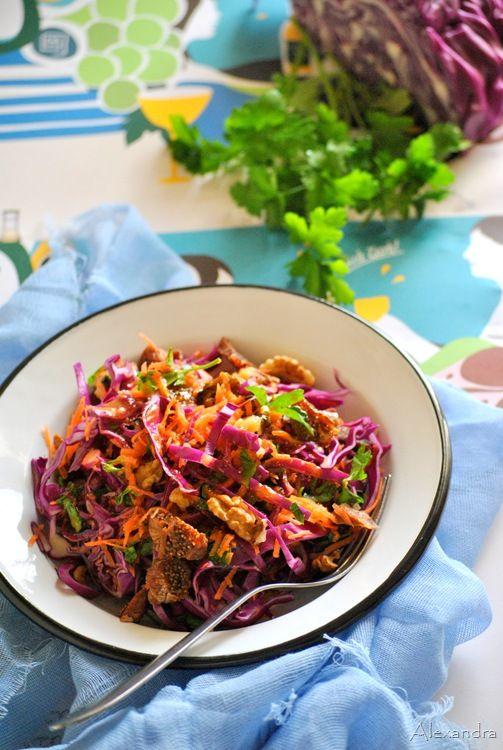 Σαλάτα με κόκκινο λάχανο