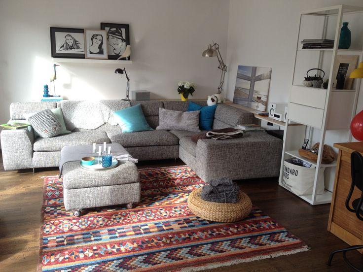 Machalke Sofa und Ethno Teppich .... Mal was anderes...