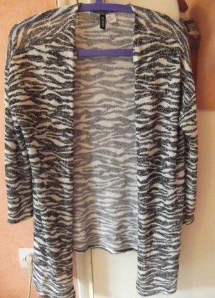 À vendre sur #vintedfrance ! http://www.vinted.fr/mode-femmes/cardigans/53991911-tres-beau-gilet-zebre-et-asymetrique-tres-tendance