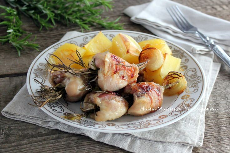 куриные голени и картофель в духовке с розмарином - я готовлю нормально
