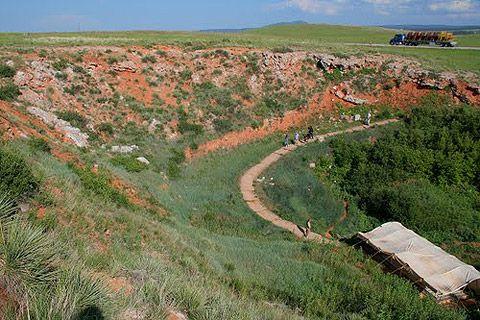 Buffalo Jump Wyoming | people drove buffalo into a natural sinkhole at the Vore Buffalo Jump ...