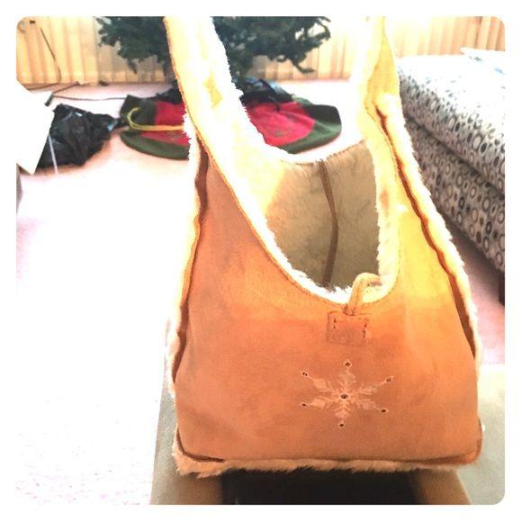 Faux fur & suade GAP Purse Super soft and cute handbag! GAP Bags Mini Bags