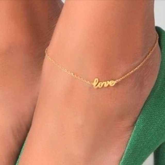 love anklet, i like how small it is