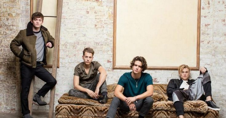 | THE VAMPS TEAM UP WITH WEST BROMWICH ALBION FC ! (VIDEO) | http://www.boybands.co.uk
