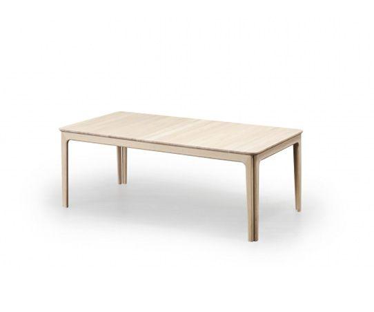Skovby #27 spisebordet er en nytolkning av Skovby klassiske 8-pin bord #05. Bordets design er retro-inspirert, men har et moderne utseende. Avrundede hjørner på bordplaten og samspillet med bordets doble ben gir bordet en fleksibilitet, men også en visuell ro. Proporsjonene er i fin balanse. Spisebordet #27 i sin baseområdet for seks personer. Bordet kan forlenges for ytterligere tre blader, så det helt ut skaper rom for tjue personer. Spisebordet er også tilgjengelig i en mindre versjon…