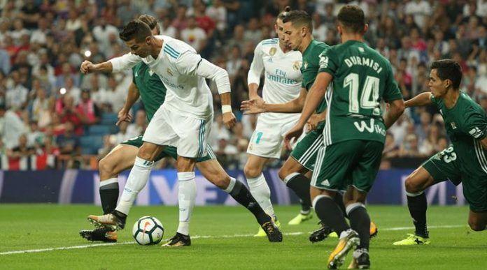 Ver partido Real Madrid vs Real Betis en vivo Liga Santander 18 febrero 2018 - Real Madrid vs Real Betis en vivo 18 febrero 2018. Canales que pasan Real Madrid vs Real Betis en vivo directo enlaces para ver online a que hora juegan fecha y datos del partido.