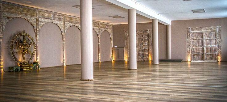 Samsara Yoga bietet in der Innenstadt von Nürnberg verschiedene Yoga Kurse in unterschiedlichen Yoga Richtungen an.
