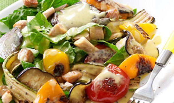 Σαλάτα με κοτόπουλο & ψητά λαχανικά με dressing