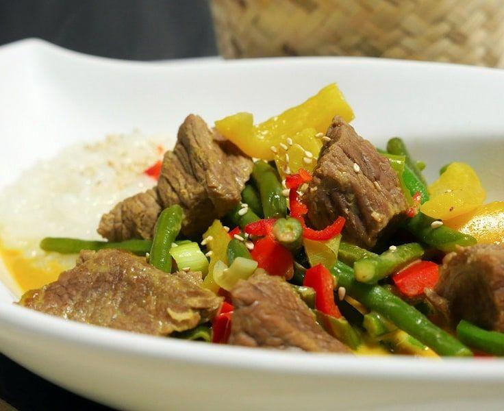 Pikantes Rindfleisch-Curry - Cremige Kokosmilch trifft feurige Schärfe