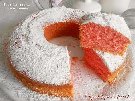 La torta rosa con Alchermes è una torta soffice e facile da preparare. Il liquore mescolato agli ingredienti regala il colore vivace e invitante al dolce.