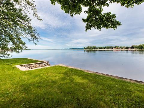 Maison à vendre à Laval-sur-le-Lac (Laval) - 589000 $
