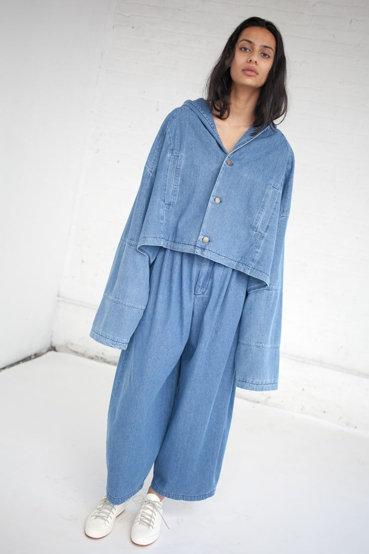 Pleated Pants in Medium Light Denim