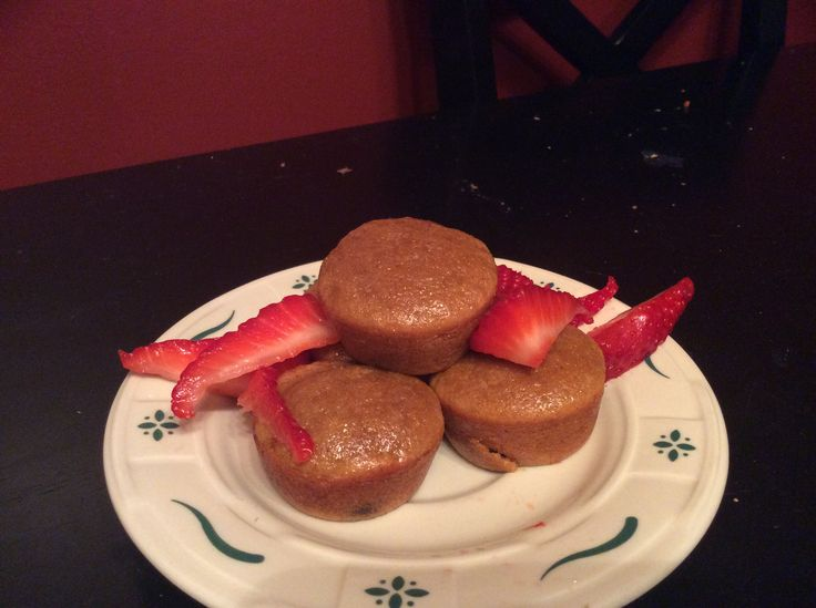 Healthy flourless muffins!  1 egg 4 tbs brown sugar Splenda 1/2 cup PB2 1 tsp baking powder 1/2 banana (optional) Makes 13 mini muffins!!! DELICIOUS