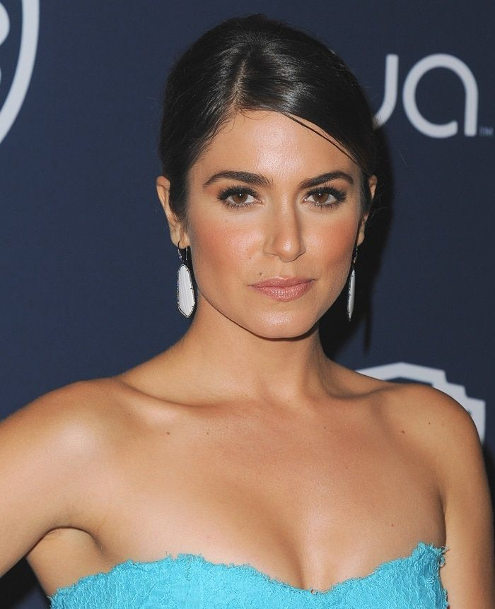 """Nikki Reed wearing Monique Lhuillier's """"Chantilly"""" lace strapless gown"""