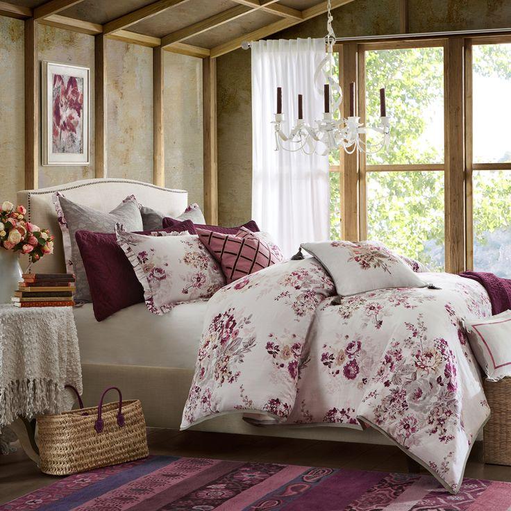 Hampton Hill Vintage Floral Comforter Set