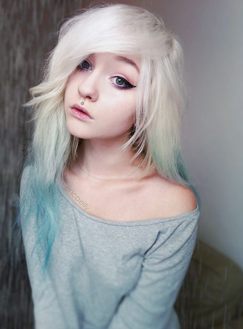This girl is adorable, she reminds me of Luna Lovegood. I love white hair!