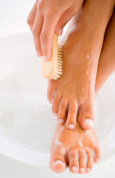 It's almost sandal season, here are some tips for a DIY pedi!  7 Essential Pedicure Tips