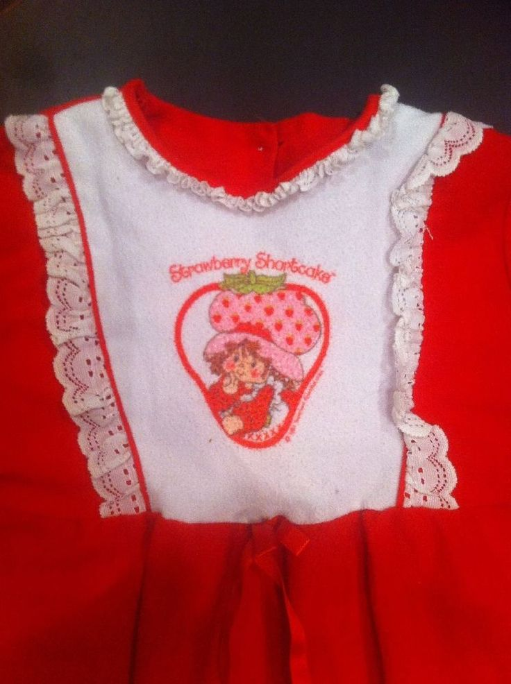 I had this VERY nightgown as a little girl!!
