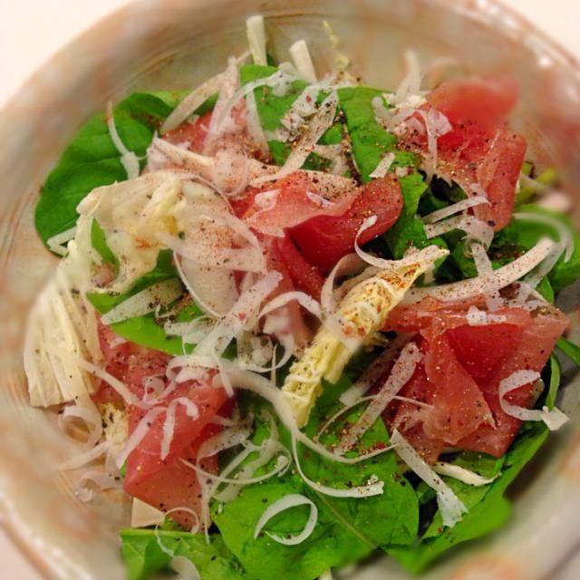 この時期は白菜をサラダにするのが好き♡ パルミジャーノをたっぷり削って♪うまー♪ヾ(。゜▽゜)ノ - 60件のもぐもぐ - ルッコラと白菜と生ハムのサラダ♡ by nachu721