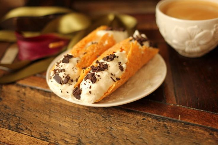 low carb dessert, low carb cannoli, gluten free cannoli, weight watcher cannoli, paleo cannoli