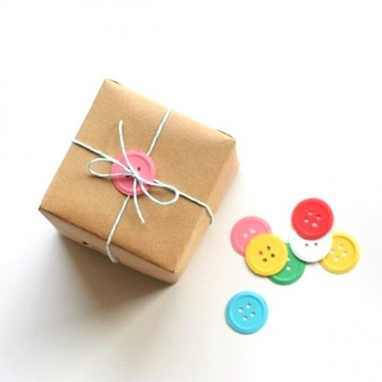 Button gift wrapping