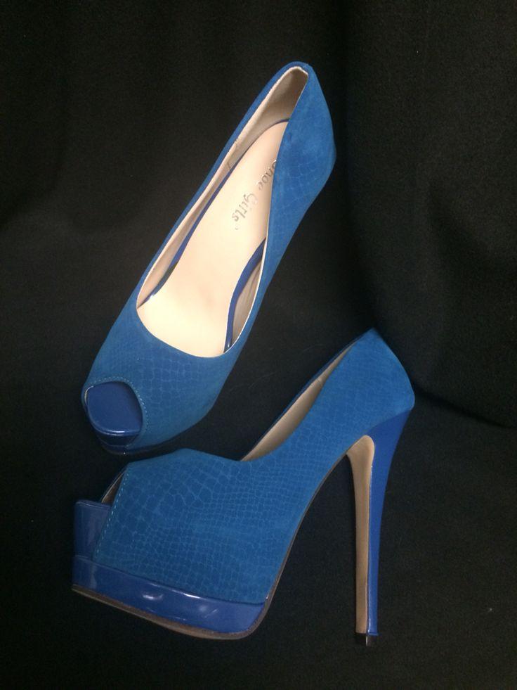 #buylocal #newshoes #blue #heels #worldwide #shipping www.hotredfashion.com