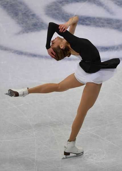 Carolina Kostner of Italy performs during ladies short program of ISU World Figure Skating Championships 2017 in Helsinki March 29, 2017.  / AFP PHOTO / Daniel MIHAILESCU