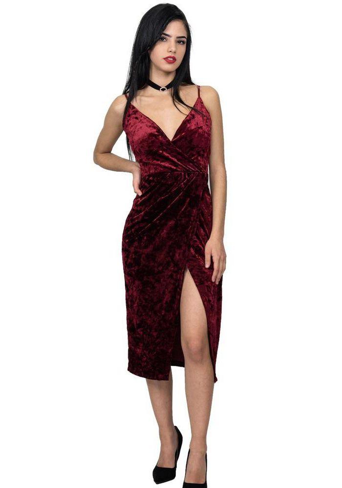 Φόρεμα midi με ραντάκι κρουαζέ. Το φόρεμα είναι βελούδο, έχει ανοιχτό ντεκολτέ και άνοιγμα μπροστά στα πόδια. Είναι ένα εντυπωσιακό φόρεμα ιδανικό για βραδινές εξόδους. Συνδυάζετε με γόβες και εντυπωσιακά αξεσουάρ.  ACRYLIC 95% -ELASTHAN 5%