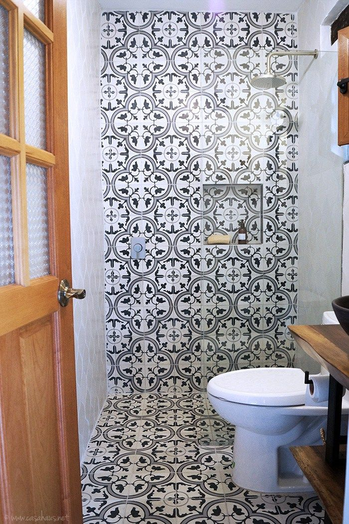 25 best small full bathroom ideas on pinterest tiles - Banos rusticos pequenos ...