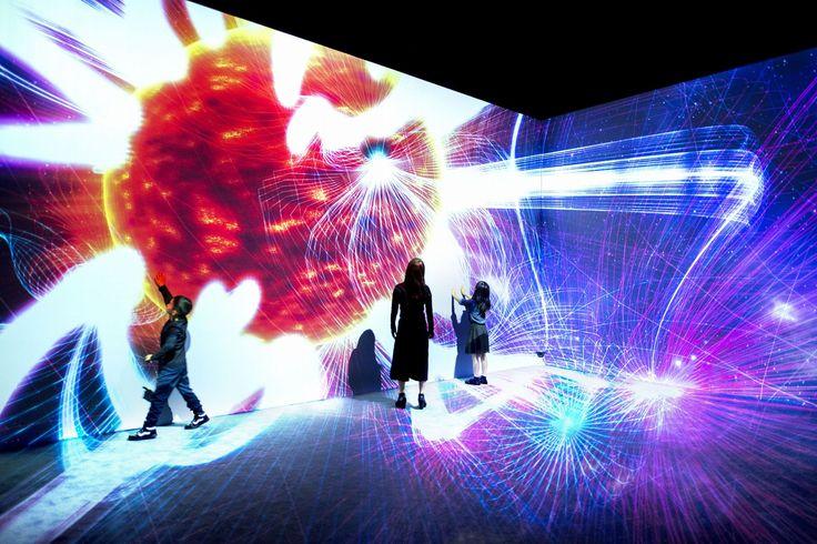 TeamLab n'en finit pas d'inventer des installations immersives complètement démentes | The Creators Project