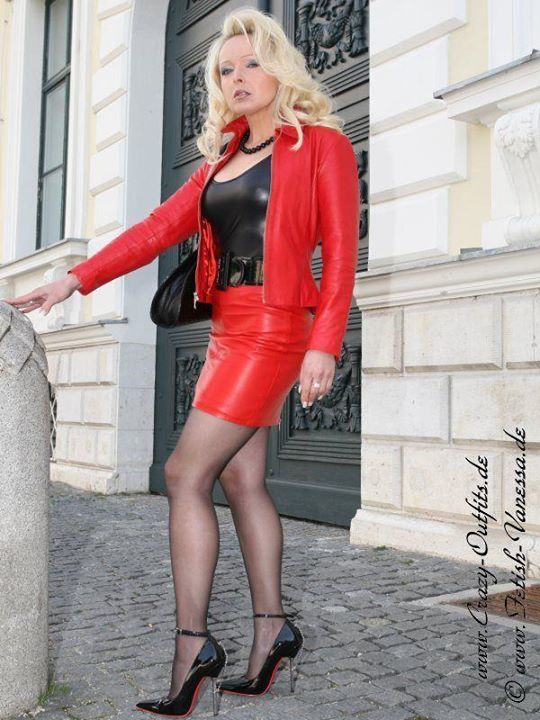 Lady Vanessa in red