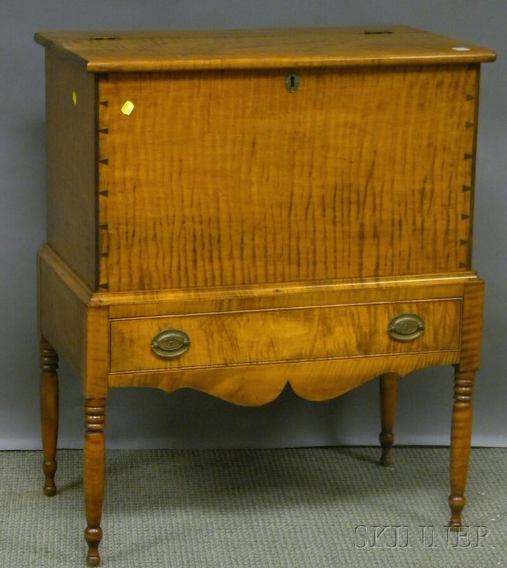 Federal Style Tiger Maple Lift Top Sugar Chest, Skinner Auctioneers