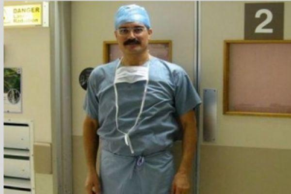 politikologia1: Γιώργος Λαδάς: Ο Ελληνας χειρουργός που σκοτώνει τελείως καρκινικούς όγκους στους πνεύμονες....