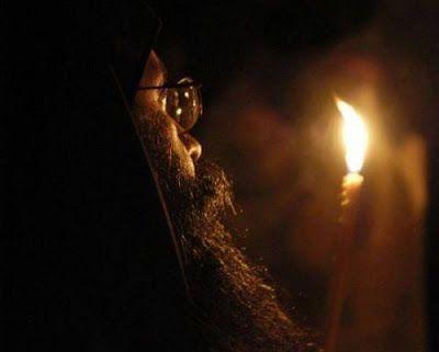 Αντιγραφάκιας: Ο άγρυπνος μοναχός και οι 100 Θείες Λειτουργίες το...