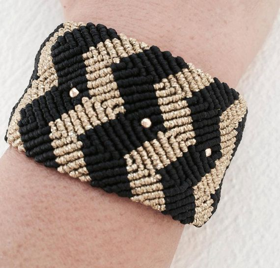 Macrame Bracelet in Black and Gold color with by alsoljewels