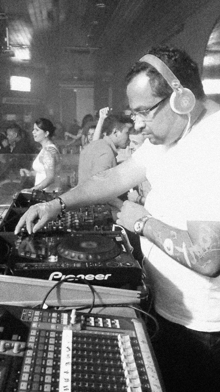 """DJ Beto Reis é conhecido na madrugada paulistana pelo seu carisma, profissionalismo, bom gosto e, principalmente, """"feeling"""" para manter as pistas lotadas."""