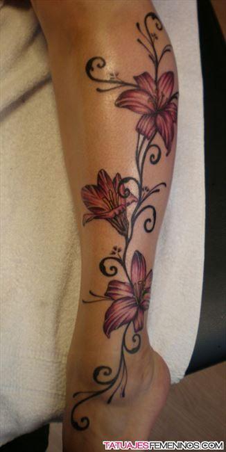 Imágenes de tatuajes en las piernas de mujeres 2