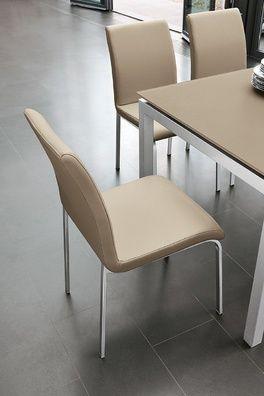 Rox étkezőszék. Elegáns, puha tapintású bőrszövet szék, porszórt fém lábbal.