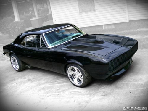 68 camaro, one of my favourites. GM did it right on the new one.