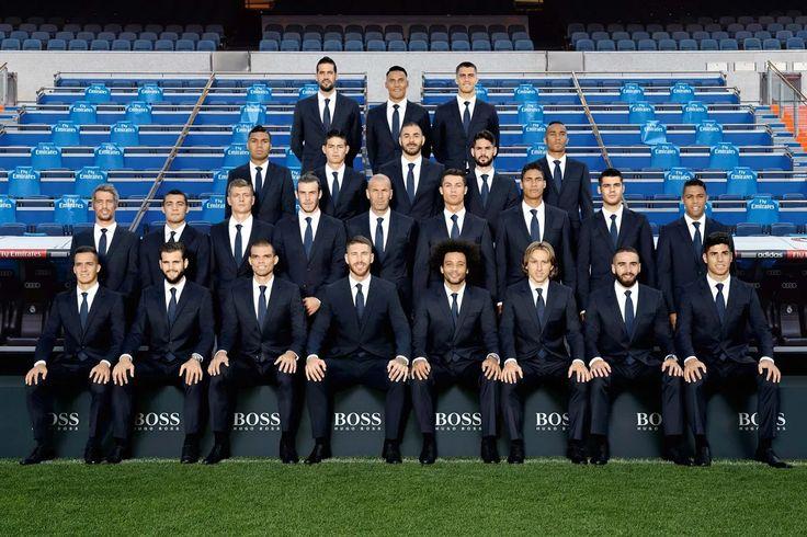 Photo:  Check out the squad photo in our official Hugo Boss suits!  ¡Mira la foto de equipo con el traje de Hugo Boss!