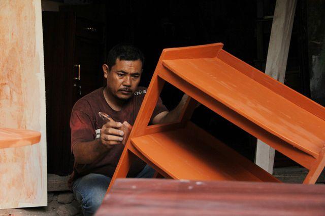 Local Carpenter / Taman Sari street , Bandung , West Java , Indonesia #humaninterest photography