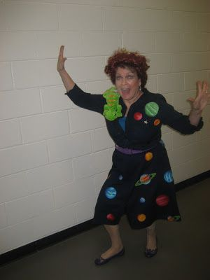 Book character costumes-Ms.Frizzle!