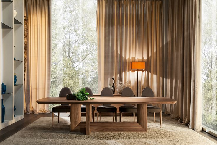 Dining table INDIGO designed by Leonardo Dainelli with Chair THOR designed by Tiziano Bistaffa