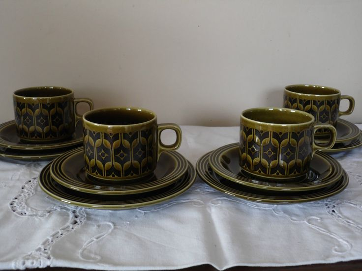 Retro 1970s Hornsea Heirloom Green 4 x Tea Cups and Saucers and plates VGC (932) & The 20 best 70s Crockery images on Pinterest | 1970s Pottery and ...