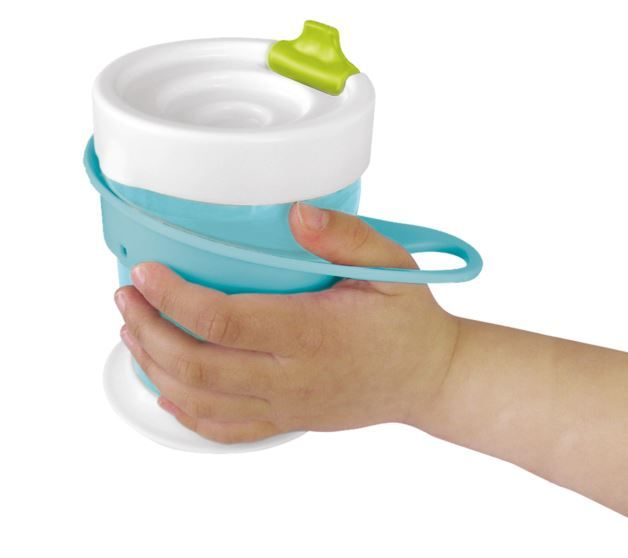 The Brother Max training sippy cup teaches kiddies to hold cups in 4 stages - super useful, bright and fun! www.tdibrandz.com #kids #parenting #cuptraining
