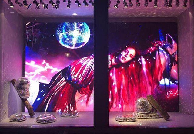 "ZARA, Oxford Street, London, New York, ""London Fashion Week"", pinned by Ton van…"